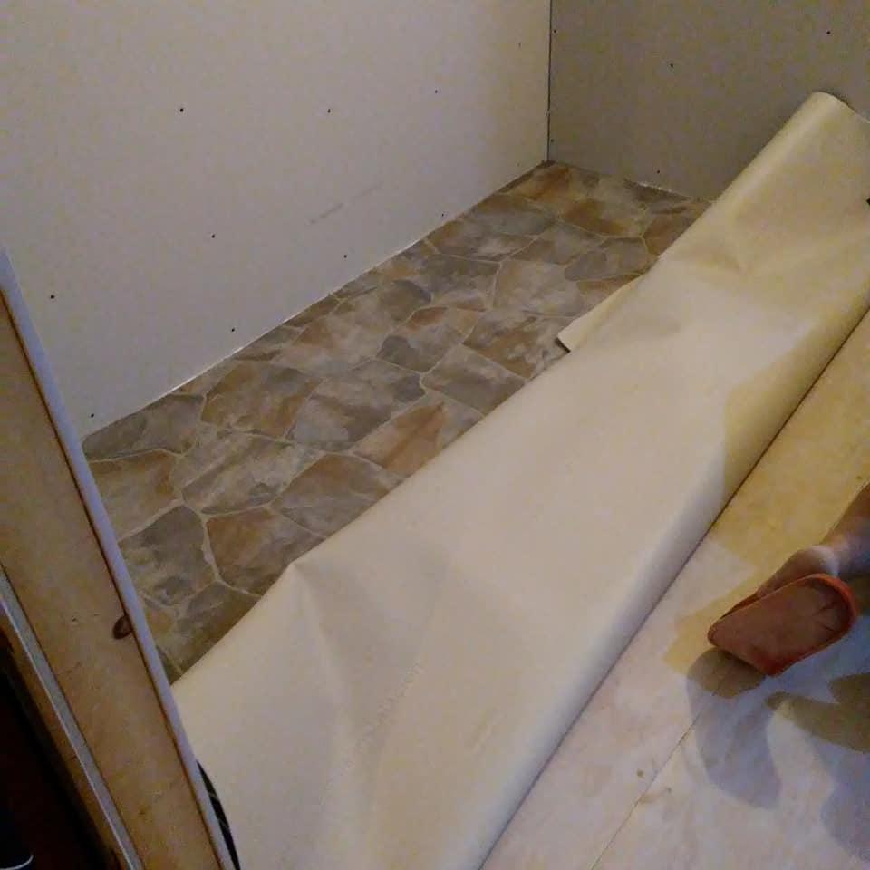 Install vinyl floor DIY